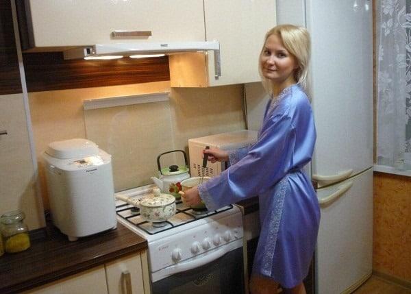 Николай Должанский из Дом-2 продал квартиру, чтобы выплатить долг любовнику своей жены