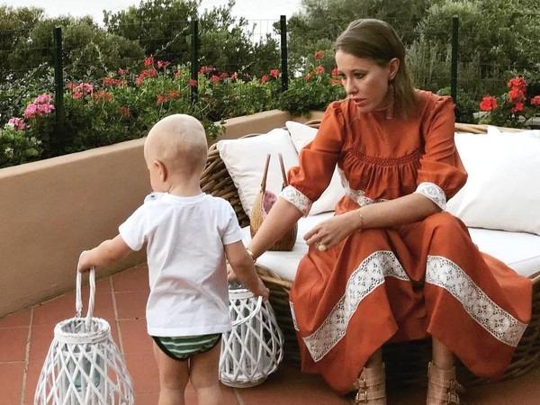 Свадьба Собчак и Богомолова 13 сентября 2019: как выглядят пригласительные на свадьбу, список желаемых подарков