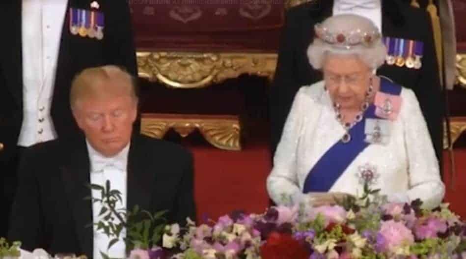 Елизавета II пожаловалась что Трамп испортил газон: что сделал Дональд Трамп