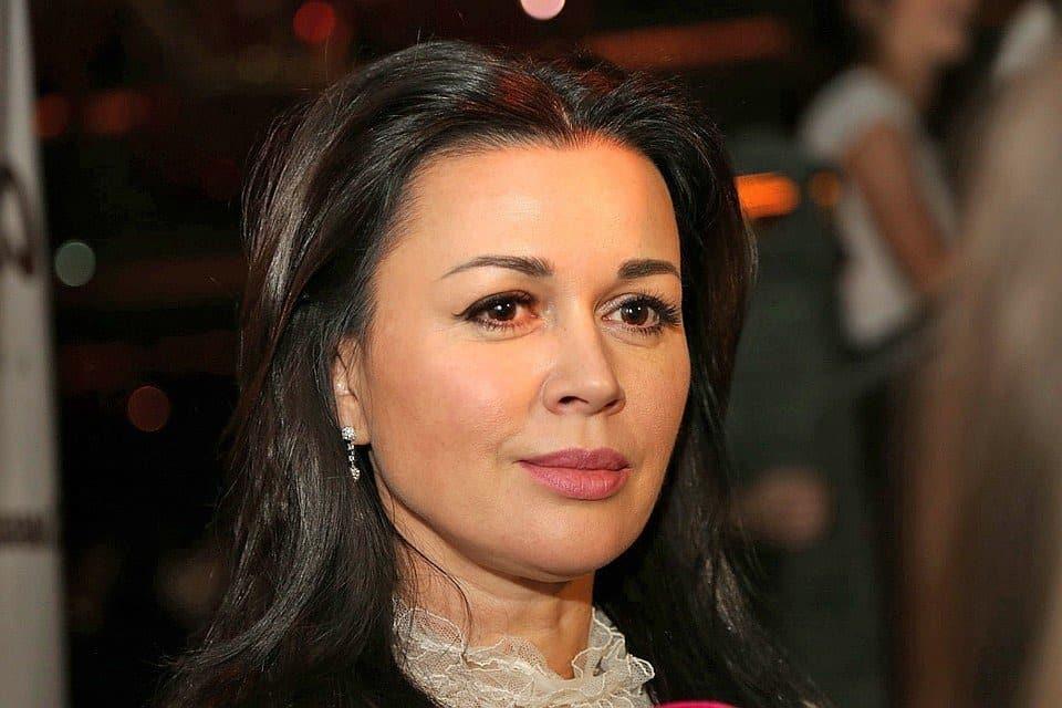 Анастасия Заворотнюк: последние новости, опухоль неоперабельна, что говорят близкие, причины болезни