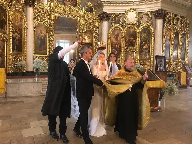 У Виторгана исчезло обручальное кольцо в день свадьбы Собчак