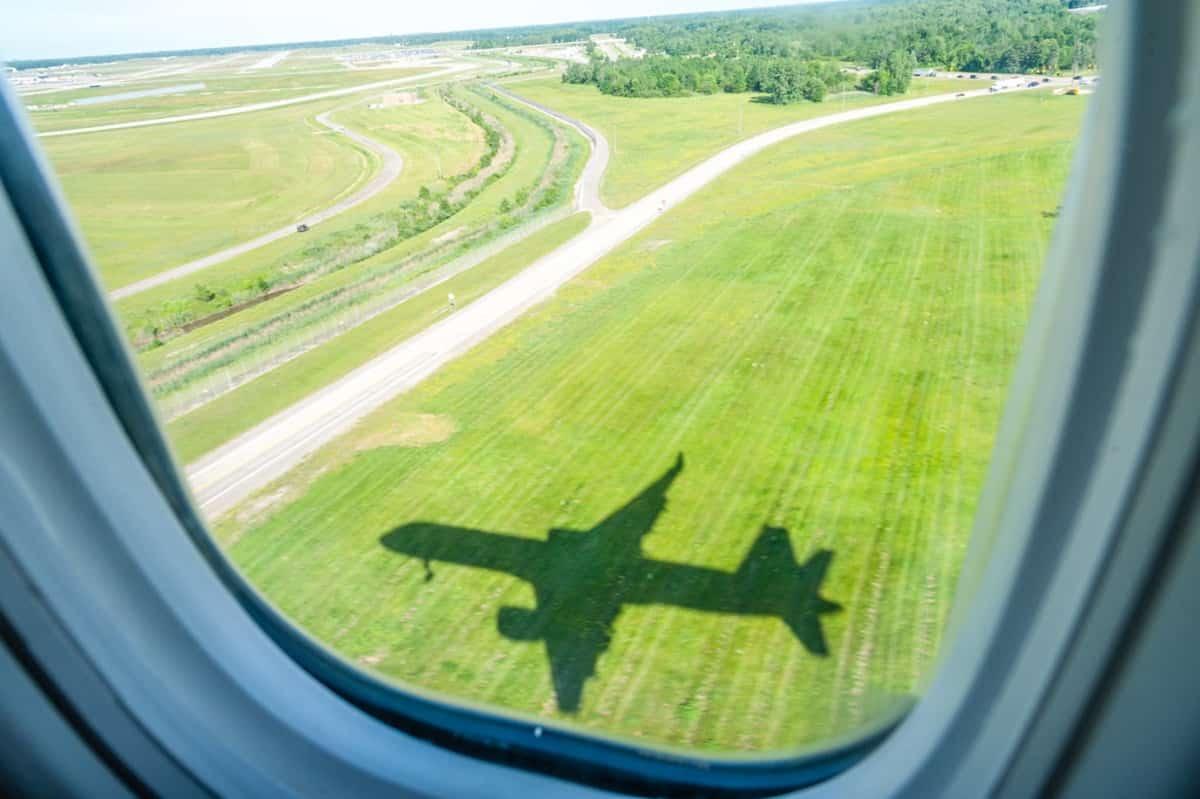 Что происходит: аварийная посадка четырёх российских самолётов за один день