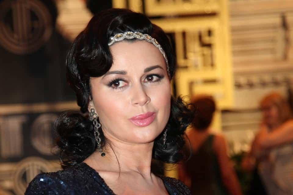 Что случилось с актрисой Анастасией Заворотнюк: у актрисы нашли рак мозга, правда или нет