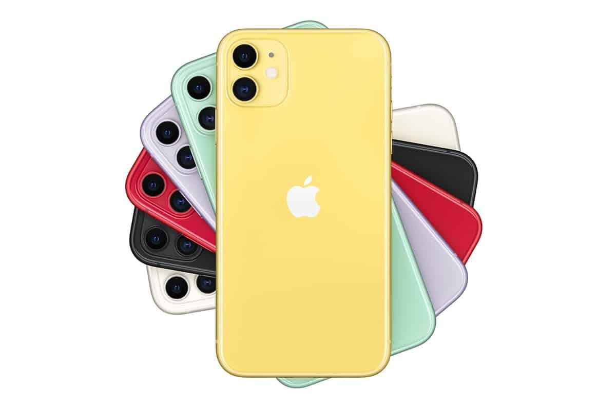 Начались продажи iPhone 11 в России: первые места в очереди продавали за 400 тыс. рублей