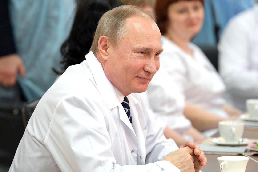 Почему мужчины умирают раньше женщин: сколько живут в России, данные минздрава