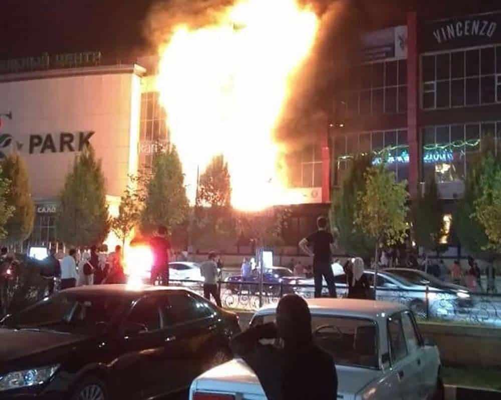 Пожар ТРЦ «Гранд Парк» в грозном: из-за чего сгорел торговый центр, видео, будут восстанавливать или нет