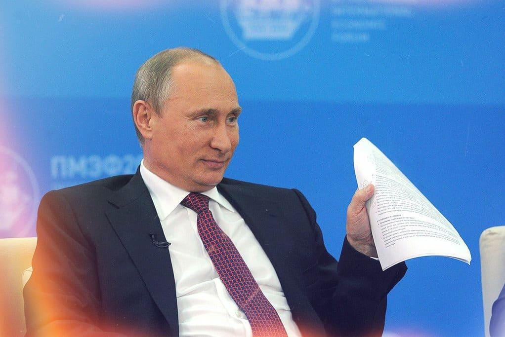 Как написать президенту России Путину жалобу, чтобы она точно дошла до адресата: по каким вопросам можно обращаться
