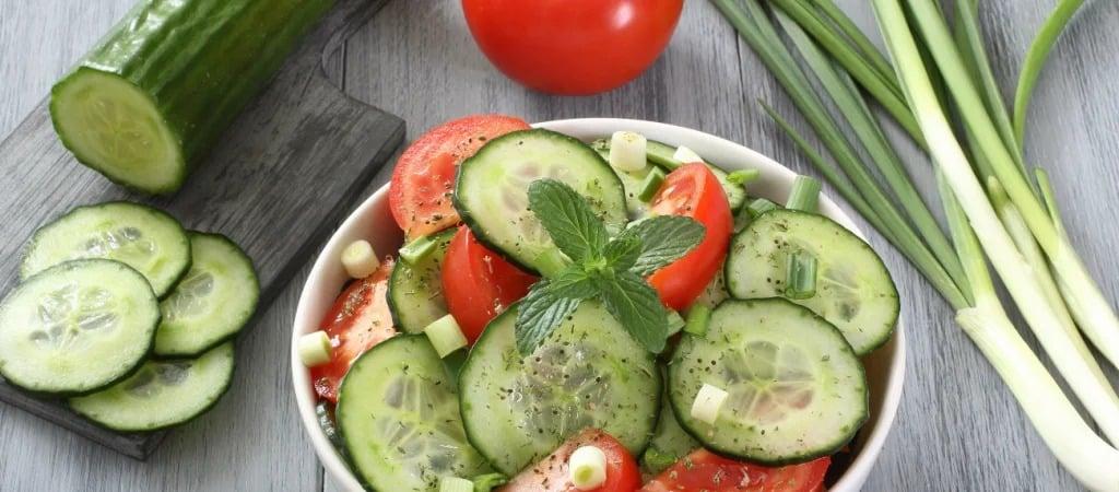 Почему нельзя помидоры и огурцы есть вместе: польза и вред