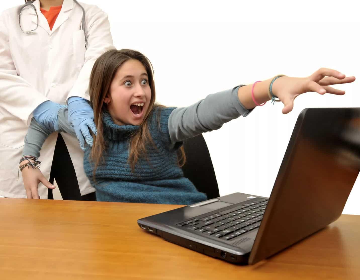 Зависимость от интернета: социальные сети делают людей агрессивными и несчастными