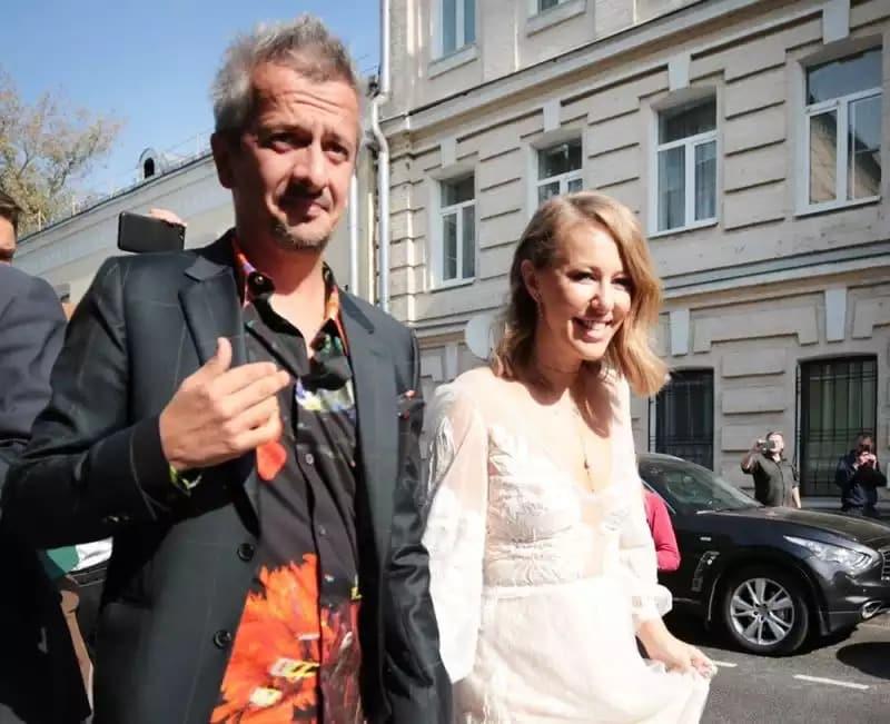 История любви Ксении Собчак и Константина Богомолова: от флирта до свадьбы