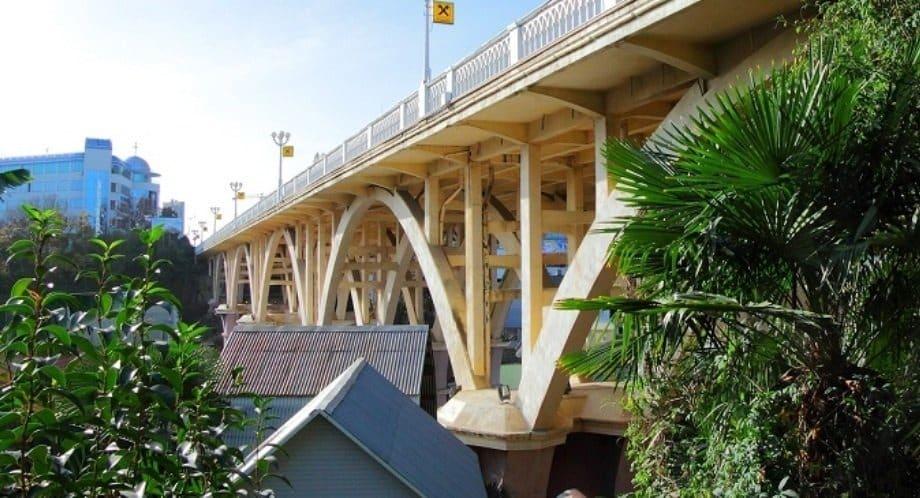 Маньяк в Сочи - Жестокое убийство: молодую сочинку сбросили с моста