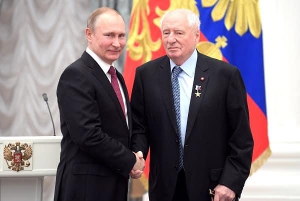 """Марк Захаров выписался из больницы и возвращается в """"Ленком"""""""