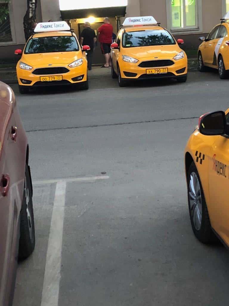 Парковку грузовиков и такси во дворах запретят с 1 января 2020 года: подробности нового закона