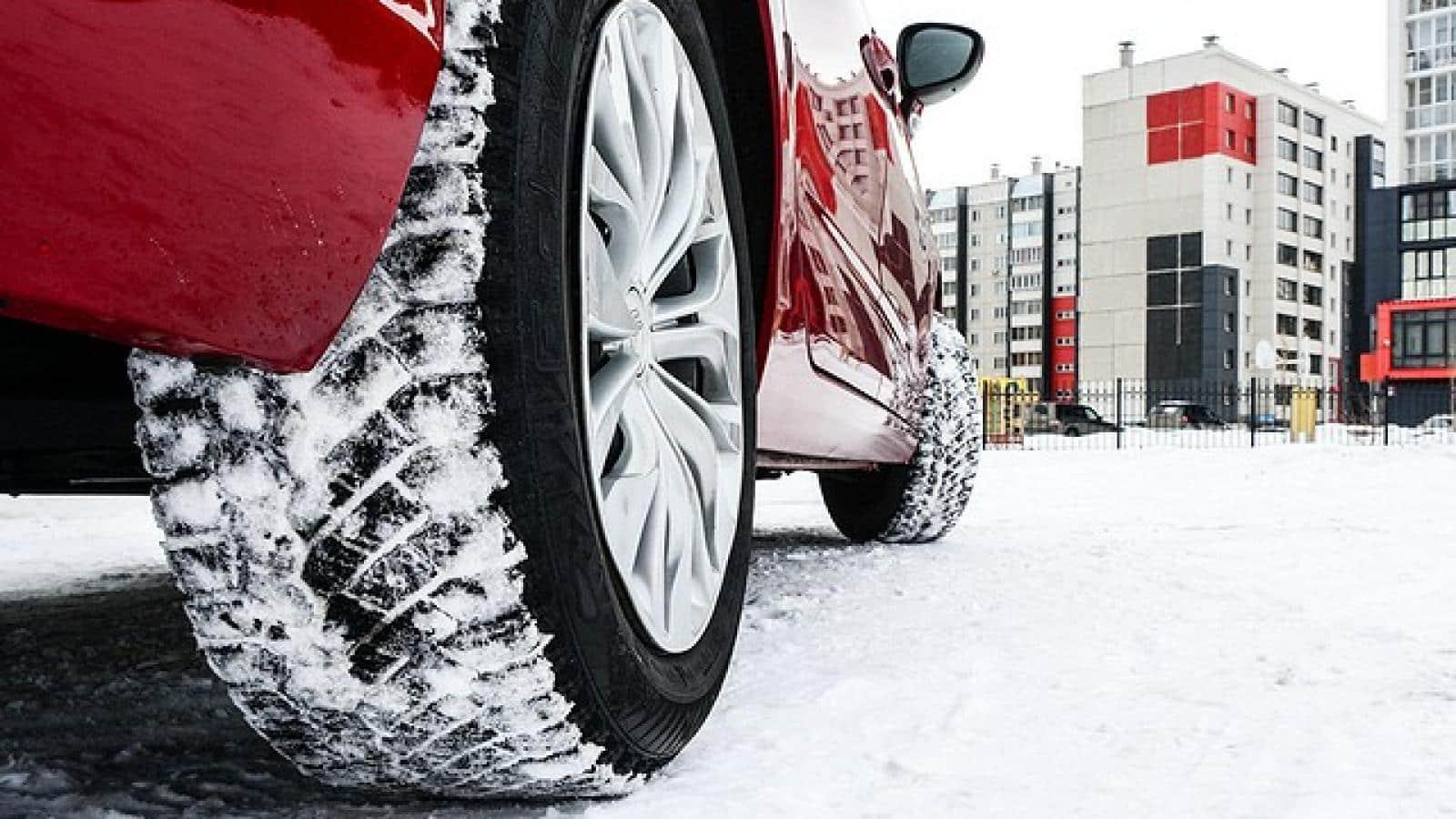 Когда необходимо летнюю резину заменить на зимнюю в Москве, Санкт-Петербурге и Екатеринбурге в 2019 году