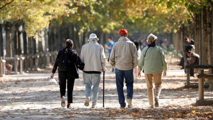 Почему женщины живут дольше мужчин: причины, мнение ученых