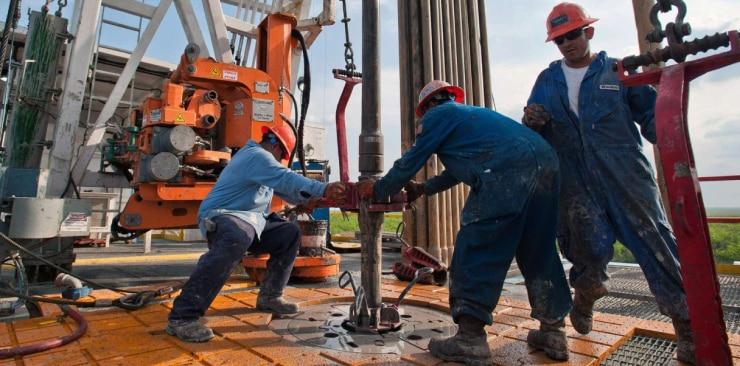 Сколько зарабатывают Российские нефтяники в 2019 году