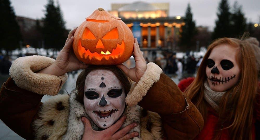 Когда отмечают Хэллоуин в 2019 году: дата праздника, идеи костюмов