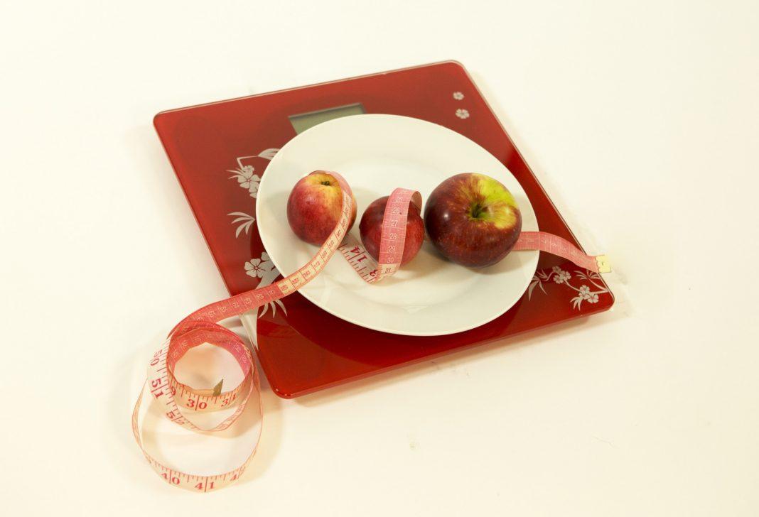можно ли яблоко на диете на ночь