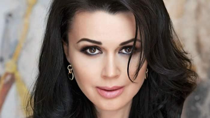 Анастасия Заворотнюк хотела сама рассказать о своём здоровье: обещания концертного директора, последние новости