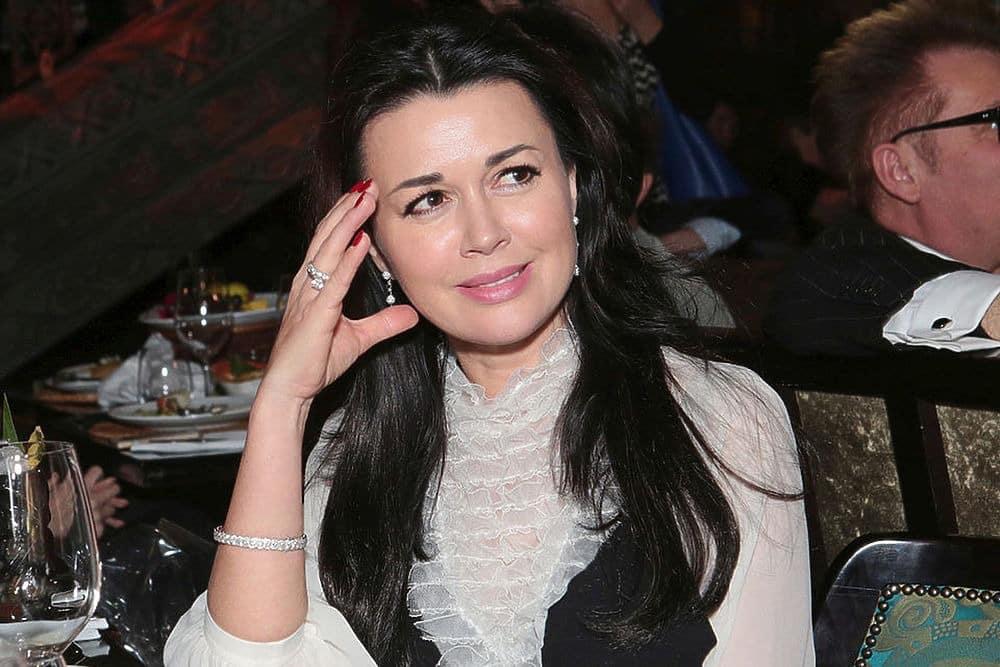 Кому Анастасия Заворотнюк завещала всё имущество: недвижимость и деньги, как себя чувствует сегодня, последние новости