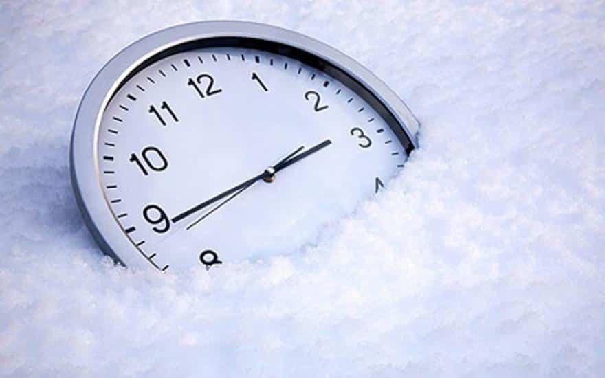 Перевод часов на зимнее время в России в 2019 году: будет ли осуществлен, мнения по поводу перехода на зимнее время