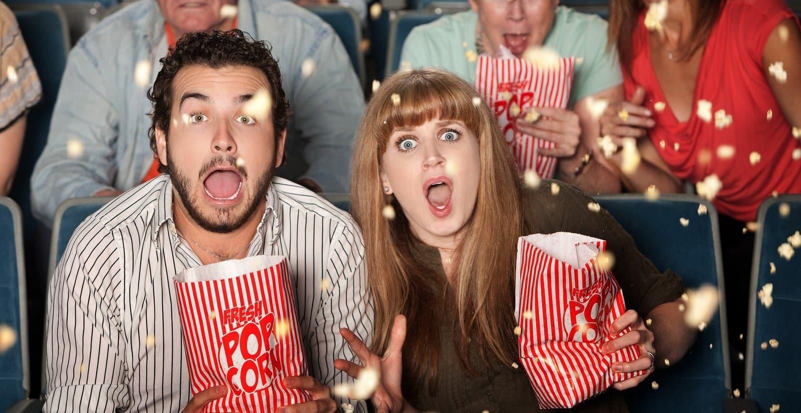 Имеют ли право кассиры требовать паспорт в кинотеатре: закон о проверке документов