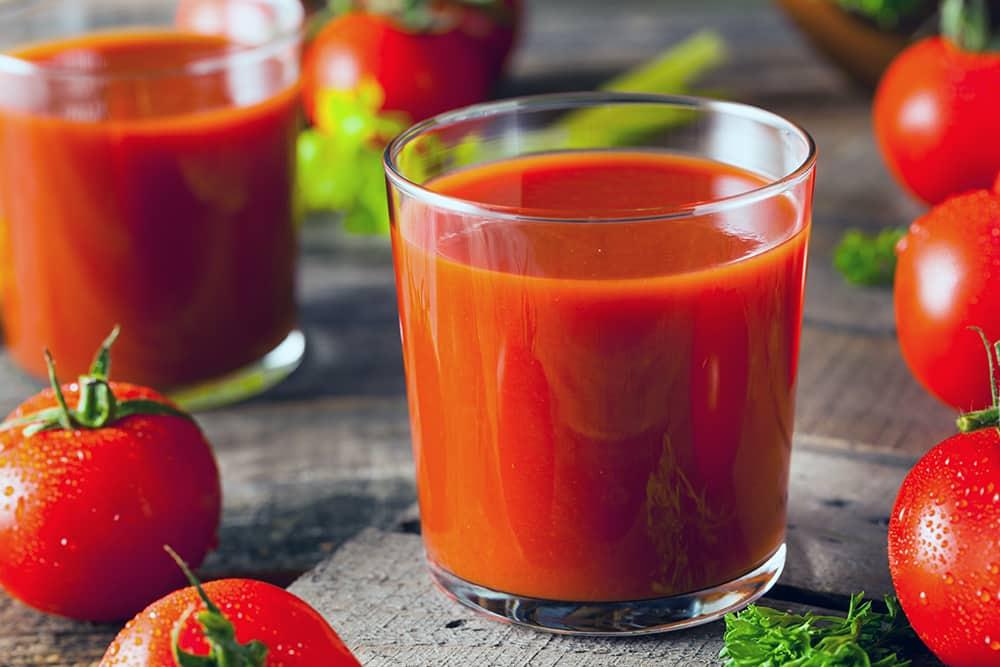 Чем опасен томатный сок, который продается в магазине