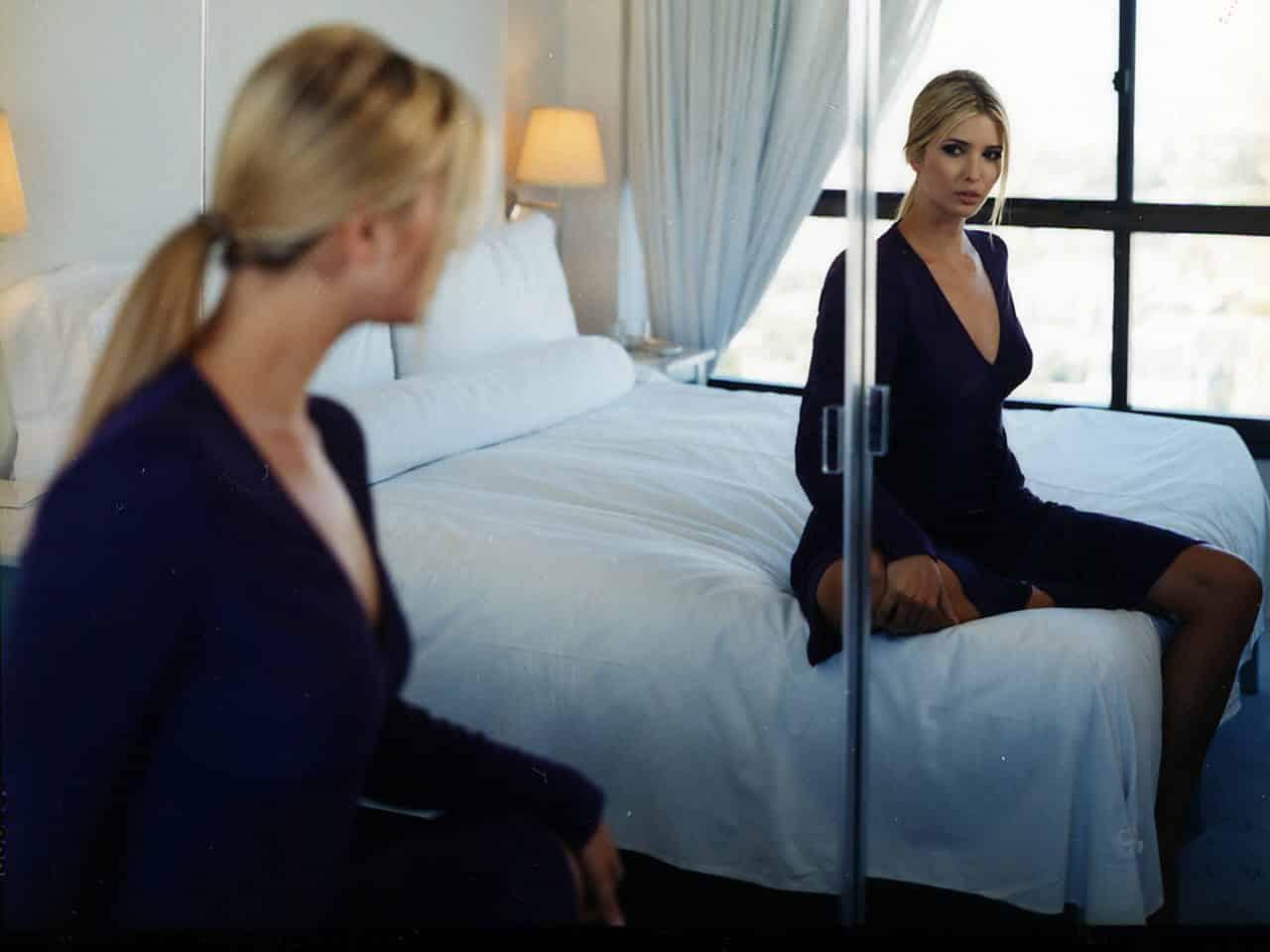 Почему нельзя ставить зеркало напротив кровати