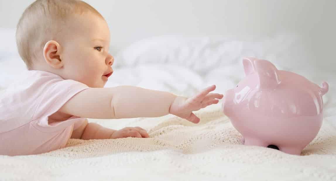 Ежемесячные выплаты на первого и второго ребенка с 2020 года начислят по-новому: что изменится