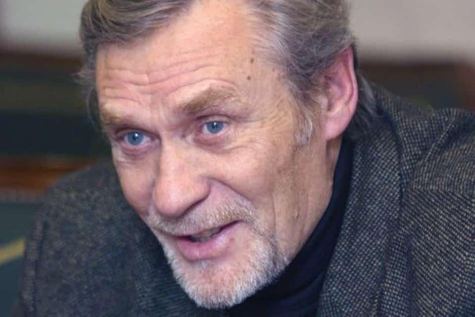 Факты из жизни Александра Михайлова актера из фильма Любовь и голуби