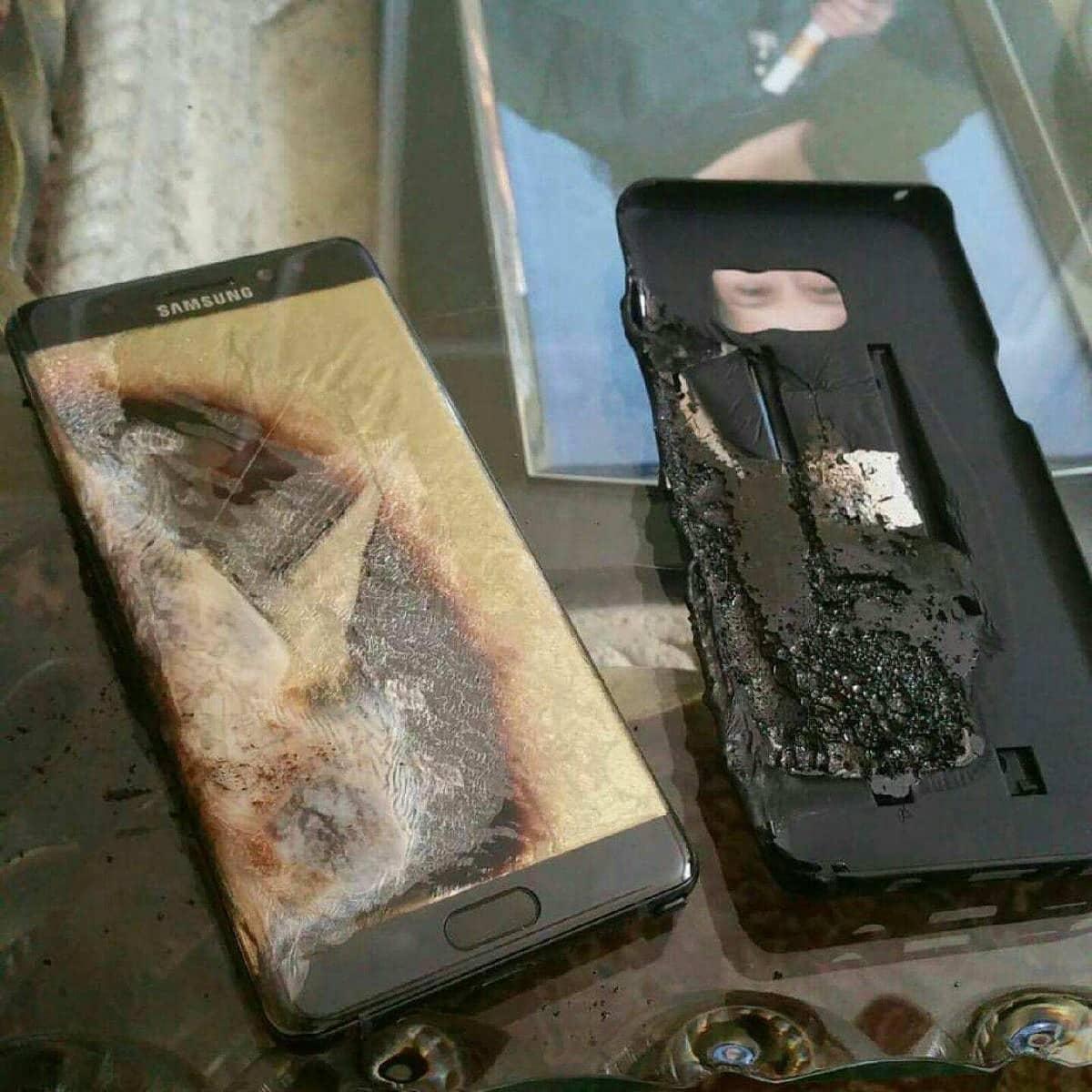 Школьницу убило током от смартфона во время зарядки: подробности, что произошло