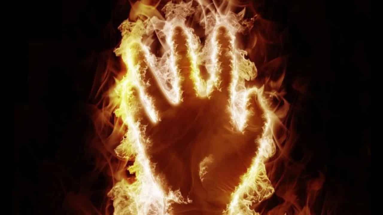 Невероятные истории самовозгорания людей: правда или миф?