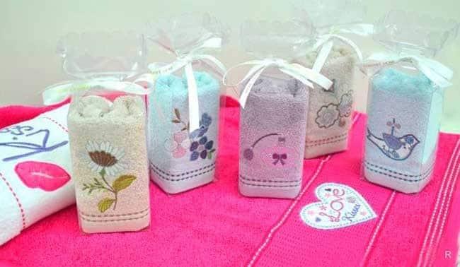 Дарить полотенце на день рождения можно или нет: в каких случаях можно и нельзя дарить полотенца