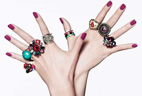 Как кольца на руке женщины могут изменить ее судьбу