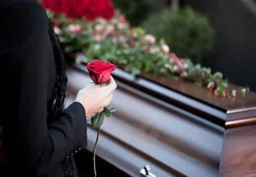 Фотографии покойных, можно ли хранить дома или нет: что делать с фотографиями покойных родственников