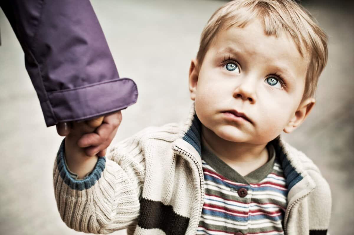 Сын был обижен на мать что рос без отца: но раскаялся когда узнал правду