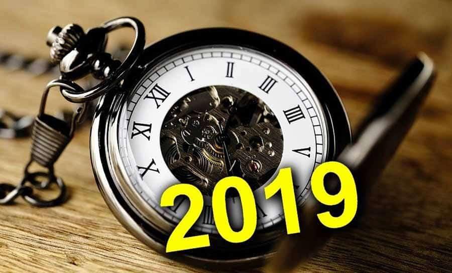 Переход на зимнее время в 2019 году: нужно ли россиянам переводить часы?