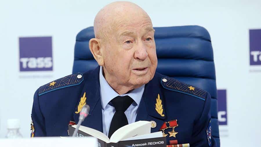 Умер космонавт Алексей Леонов: причина смерти, биография
