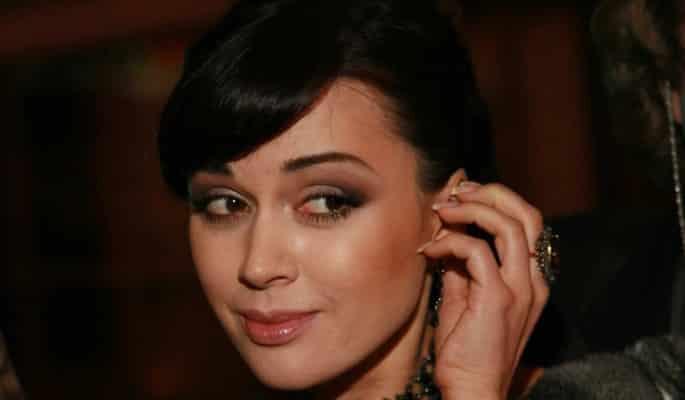 Растущие долги Анастасии Заворотнюк и последние новости о самочувствии актрисы