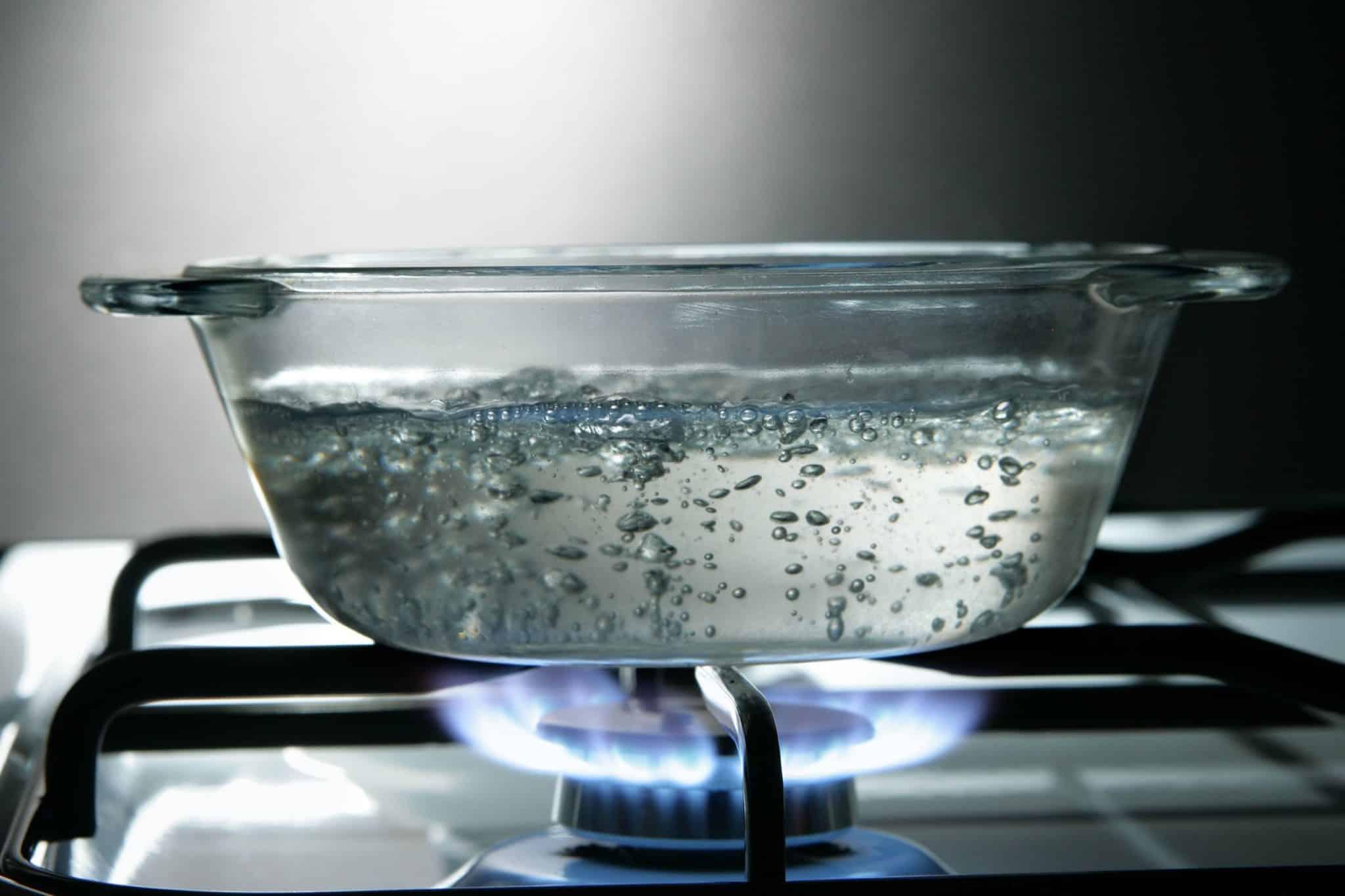 Откуда повелось не разбавлять сырой водой вскипевшую, что может получиться