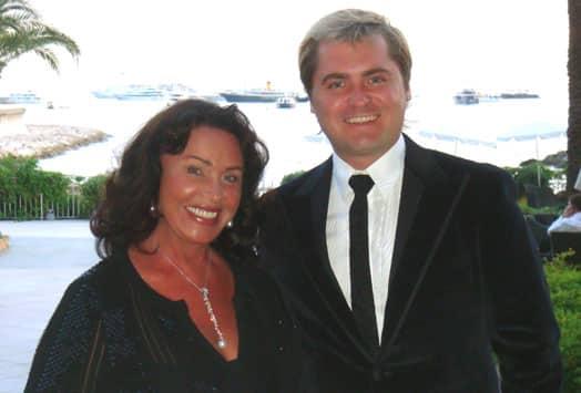 Надежда Бабкина ревнует своего молодого мужа