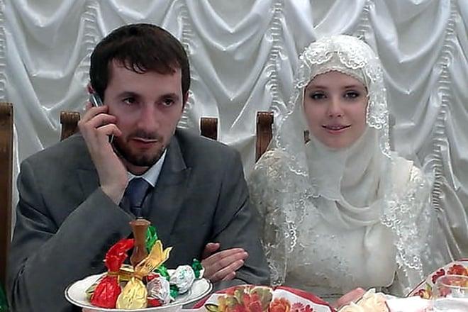 Мария Алалыкина ушла с «Фабрики» и надела хиджаб