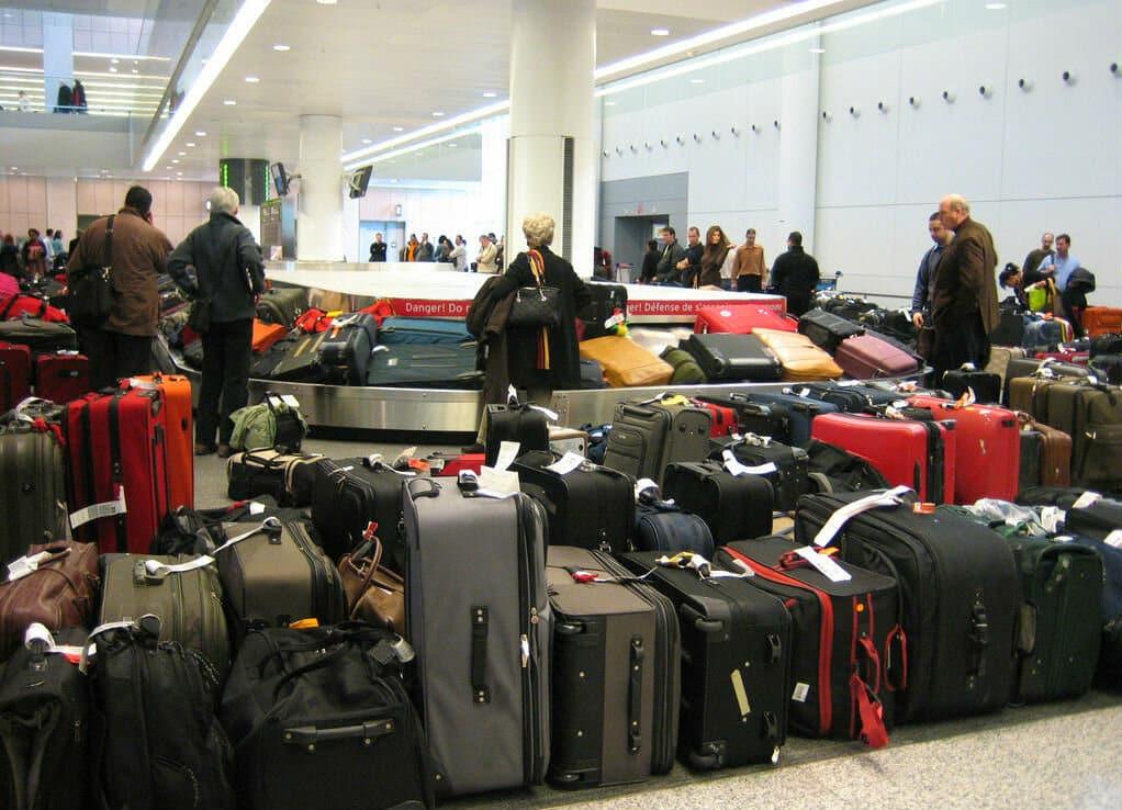 Багажные аукционы: уникальный способ заработка аэропортов на потерях пассажиров