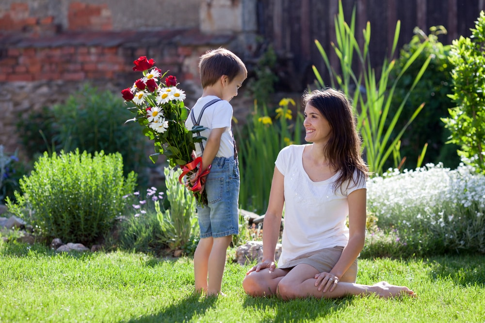 День матери в 2019 году, какого числа отмечают: история праздника, традиции