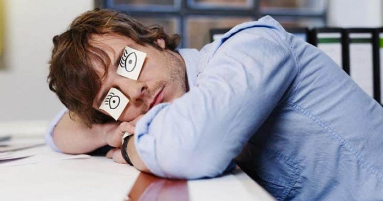 Как избавиться от сонливости: как взбодриться и снять усталость среди дня