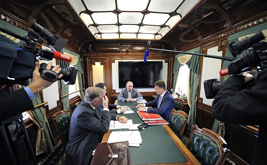 Россиянам показали изнутри секретный поезд Путина и Медведева