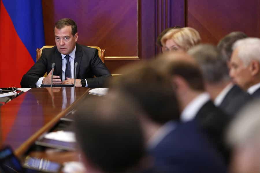 Профсоюзы России не довольны правительством Медведева