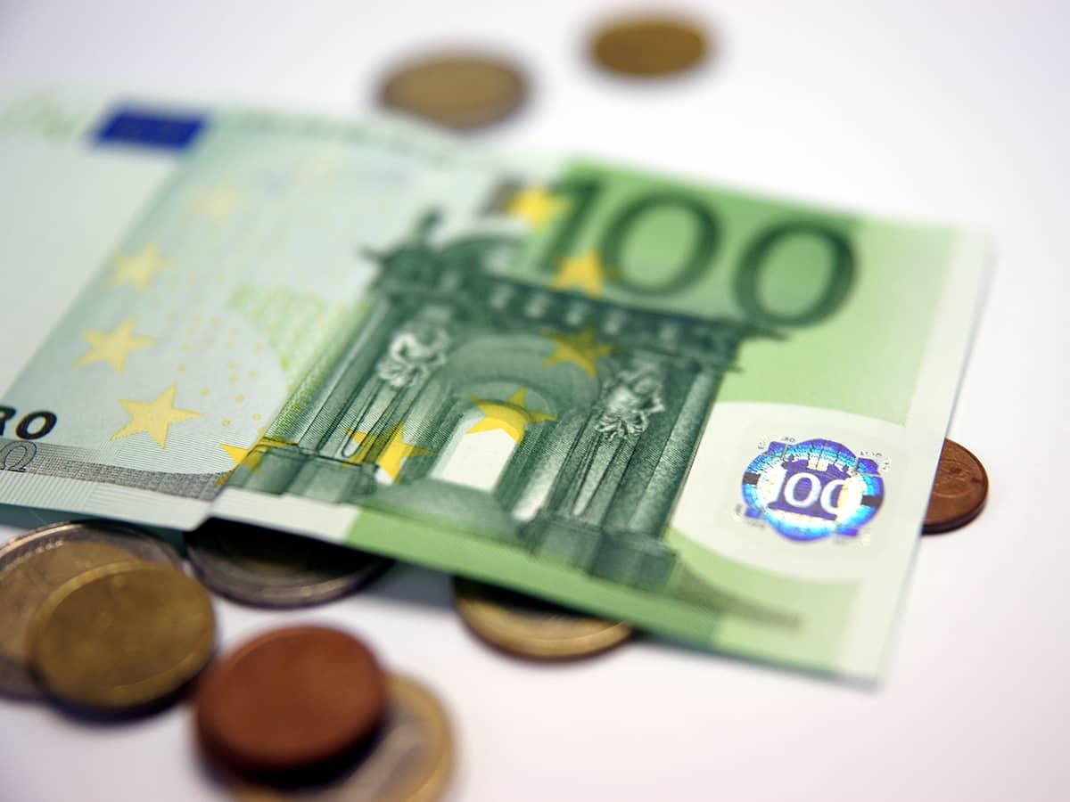 Будет ли подорожание Евро к Новому 2020 году: прогнозы экспертов, стоит ли покупать евро сейчас