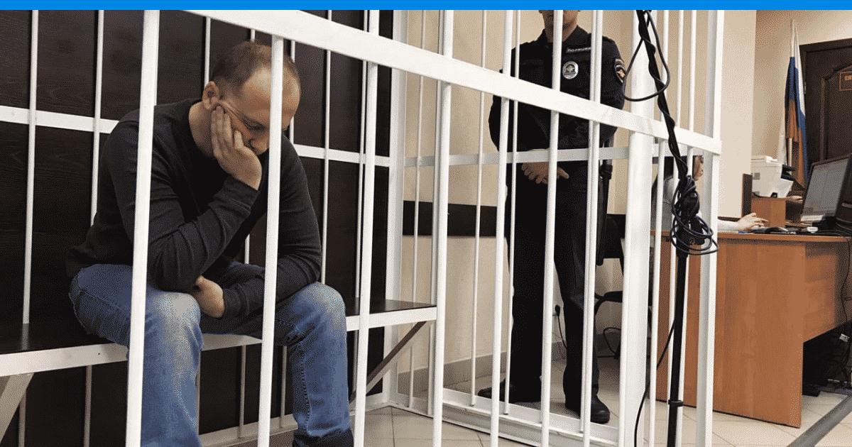 Второклассник из Омска с гречкой на коленях: что произошло в его семье, и с кем он теперь будет жить