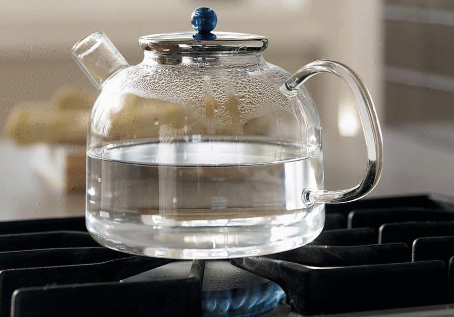 Вредно ли пить кипяченую воду: чем опасна